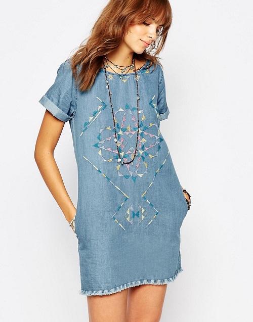 d99900f93f0 Джинсовое платье с вышивкой